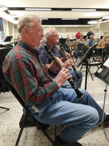 Two clarinets rehearsing with Lakeland Concert Band