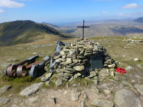 LL2505 Memorial, Great Carrs