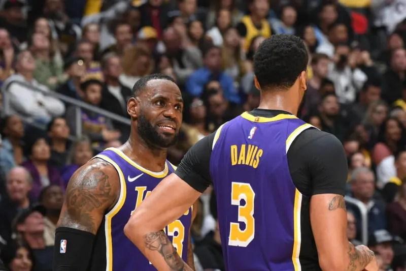 LeBron James and Anthony Davis, Los Angeles Lakers vs Sacramento Kings