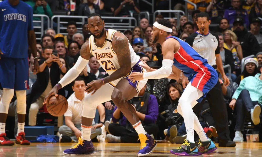 LeBron James, Los Angeles Lakers vs Detroit Pistons at STAPLES Center