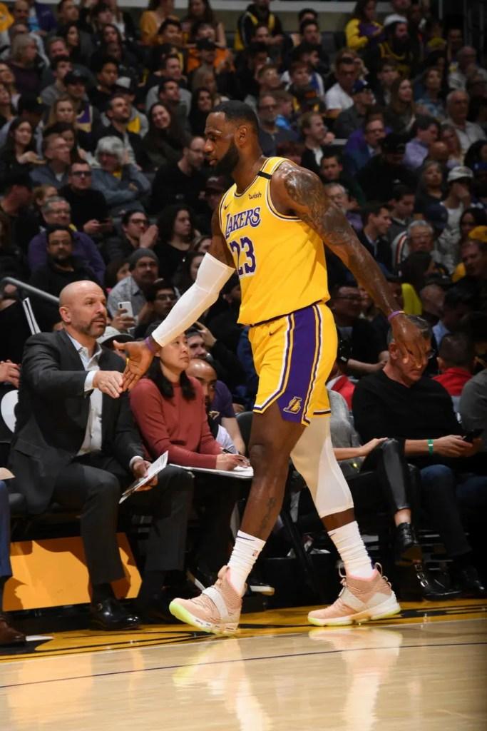Jason Kidd and LeBron James, Los Angeles Lakers vs New York Knicks at STAPLES Center