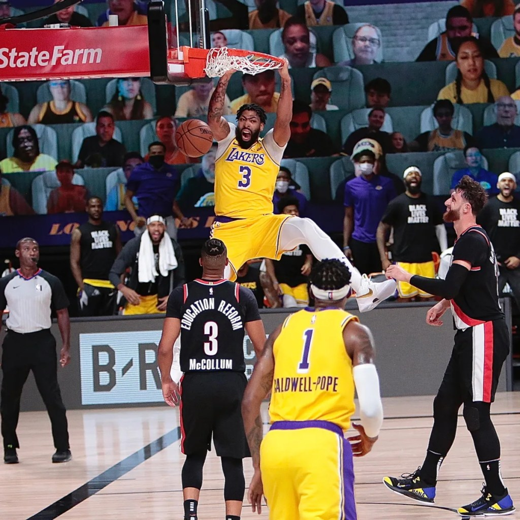 Anthony Davis #3 of the Los Angeles Lakers dunks against the Portland Trail Blazers for Game one of the first round of the 2020 Playoffs as part of the NBA Restart 2020 on August 18, 2020
