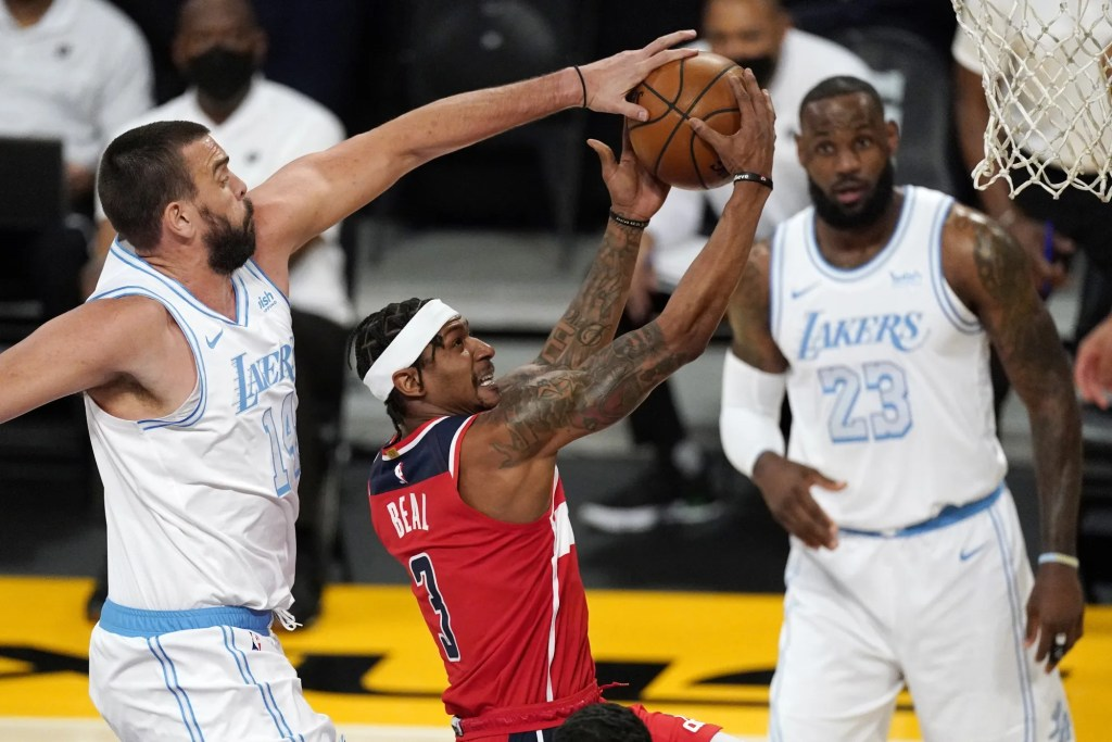 Bradley Beal, Marc Gasol and LeBron James, Los Angeles Lakers vs Washington Wizards