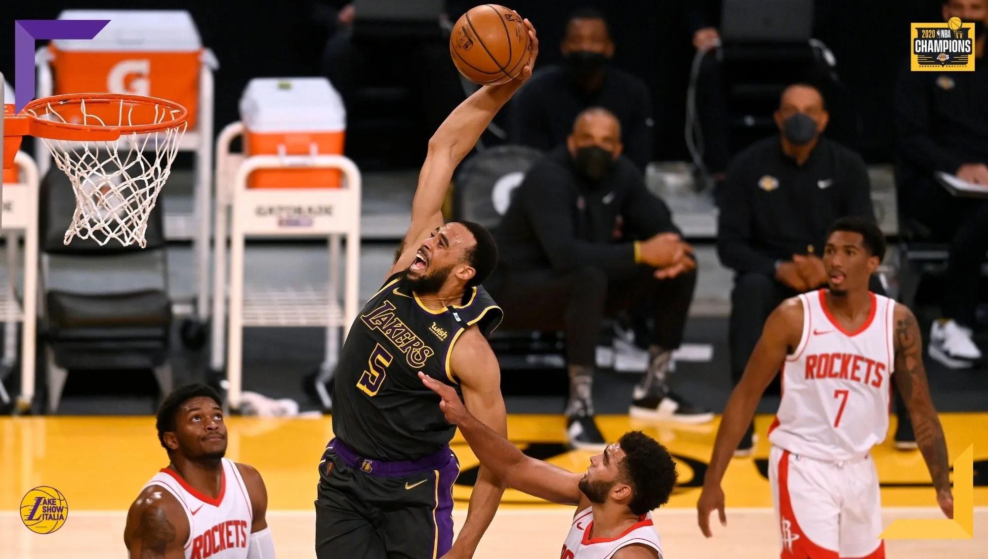 I Los Angeles Lakers battono gli Houston Rockets nella serata in cui è stato issato il banner celebrativo per il diciassettesimo titolo vinto.