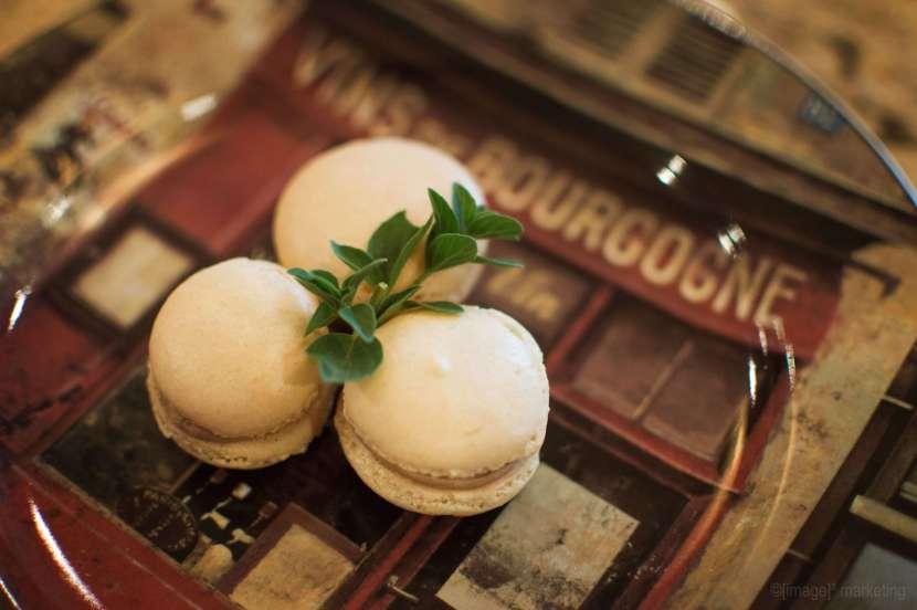3 French Macarons