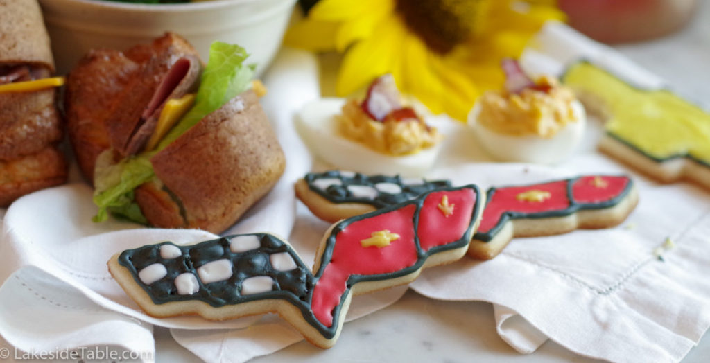 Corvette Sugar Cookies - Take a ride on the SWEET SIDE! Vroom! | www.lakesidetable.com