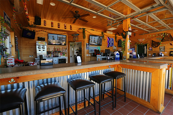Bumper S Landing Restaurants Lake St Clair Guide