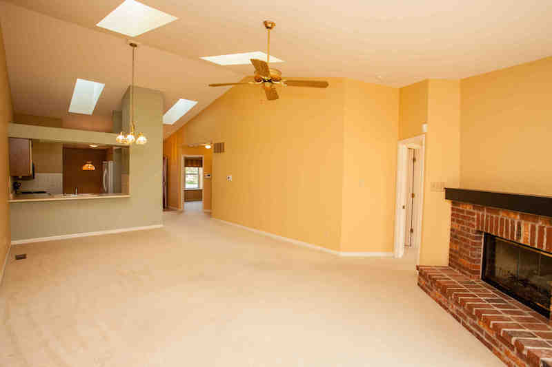 Vaulted GR open to kitchen & DR