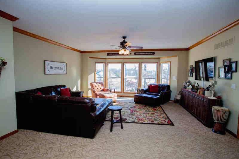 Great room w/views of golf course