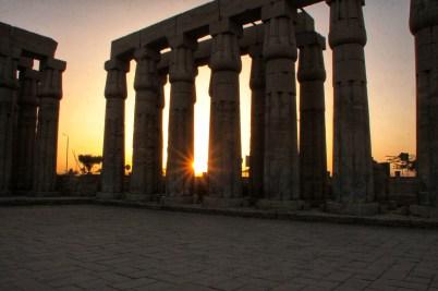Luxor tempel bij zonsondergang