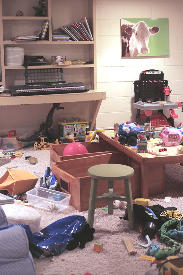playroom-mess_La-La-Lovely