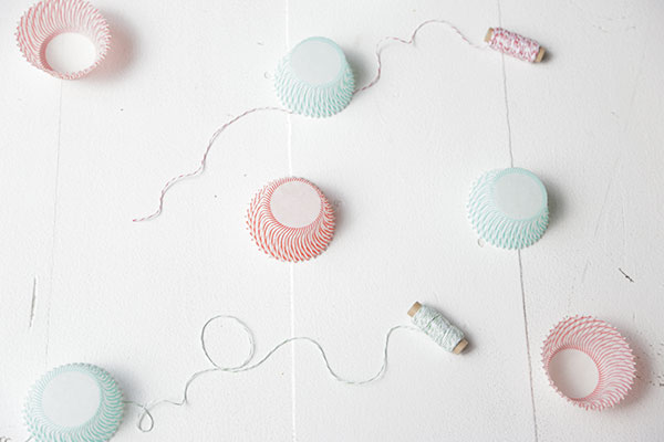 cupcake liner garland 2 via la la lovely