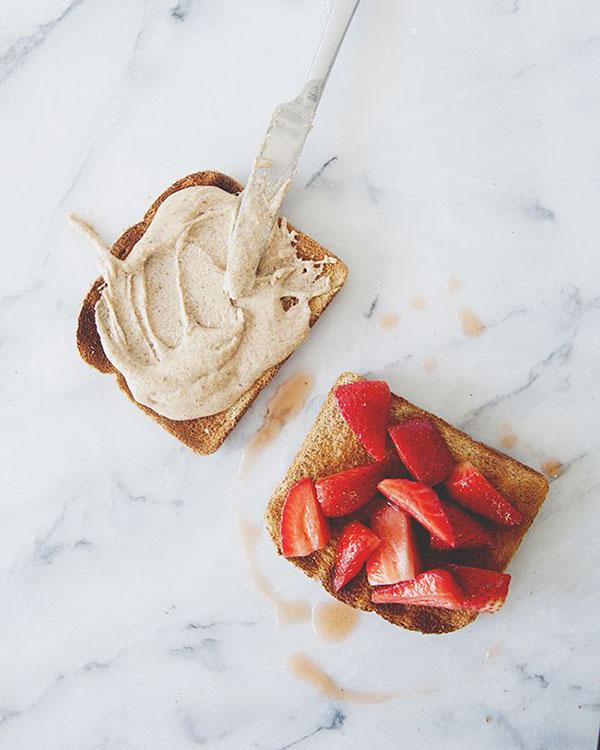 sea-salt-almond-and-berry-toast