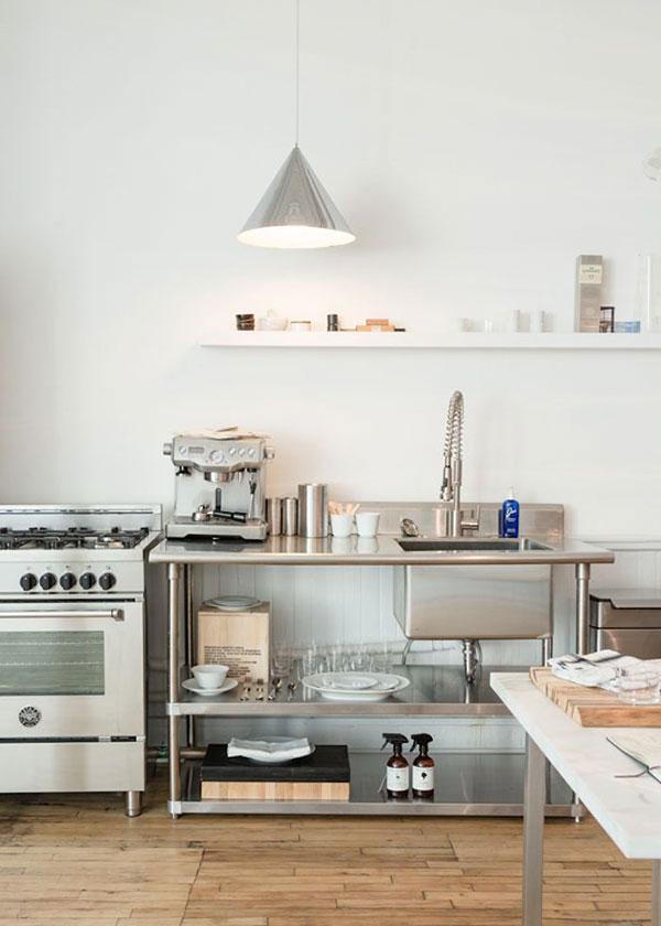 la-la-loving-stainless-steel-kitchen