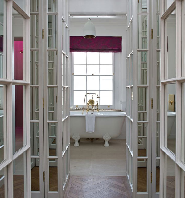 Kensington House Crush #Bathroom #Tub via La La Lovely