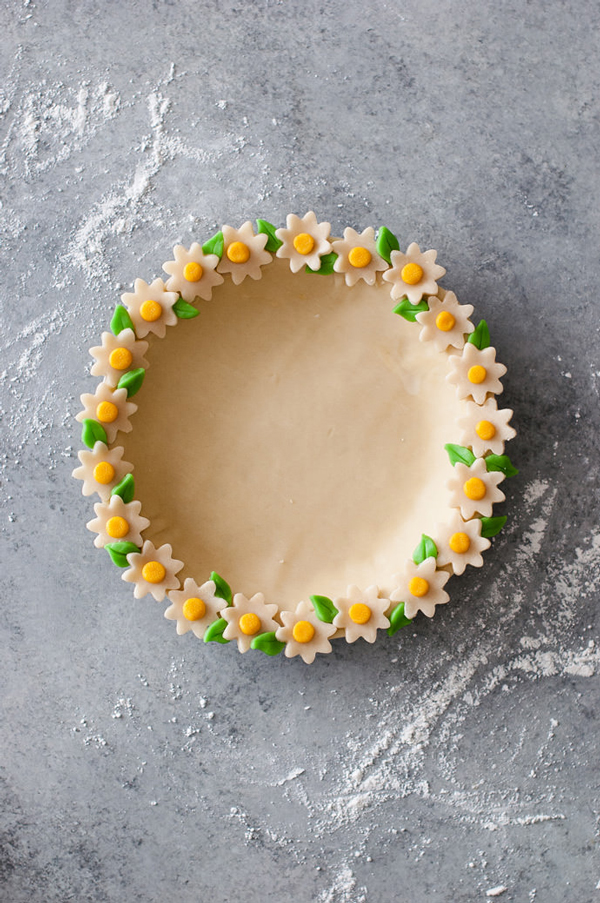lala loving daisy chain pie crust