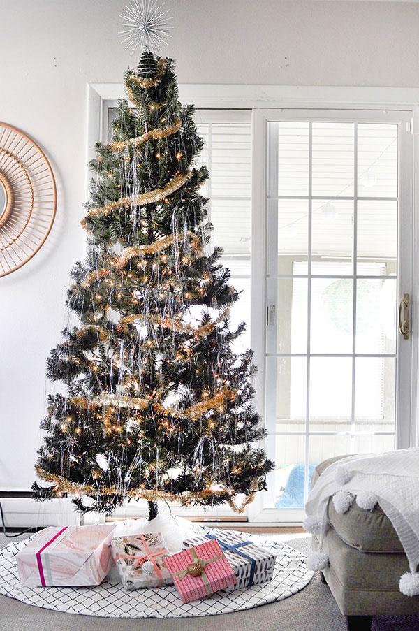 la-la-loving-tinsel-tree