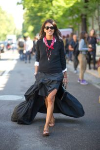 all-black-red-bandana-pendant-white-oxford-slides-tan-slides-ruffled-maxi-dress-milan-fashion-week-street-style-via-hbz
