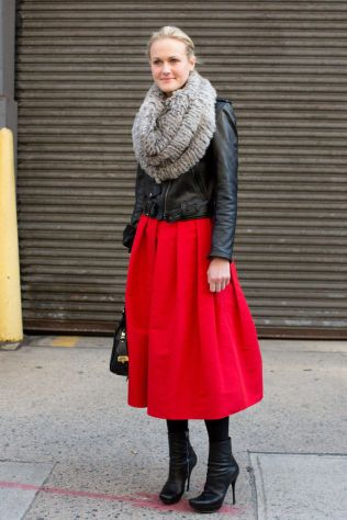 54ac49c705f51_-_elle-00-infinity-scarves-opener-new-york-big-fur-v-xln