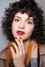 139256272fd297ca366c6ac1cfd8a371--curly-hair-bangs-short-curly-hair-with-fringe
