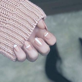 hbz-nail-trends-2017-ladylike-neutrals-04