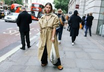 01-net-bag-style-phil-oh-street-style-lfw-ss18