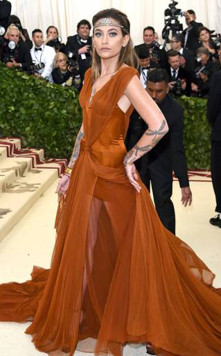 rs_634x1024-180507175202-634.paris-jackson-met-gala-2018-arrivals.ct.050718