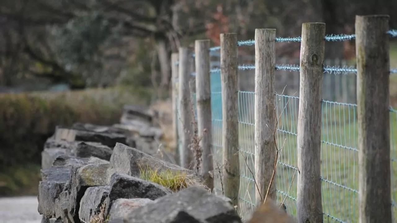 Edilizia Cosa Serve Per Realizzare Un Muro Di Recinzione
