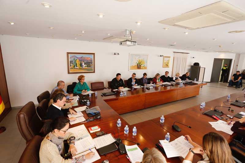 El PP pide en el Pleno que se limiten los convenios con las asociaciones y colectivos del municipio