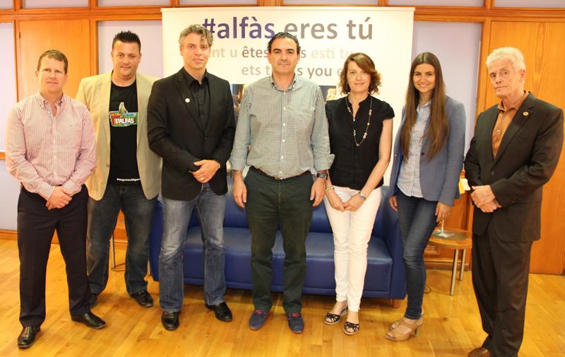 Se ha presentado al Alcalde de l'Alfàs del Pi el campeonato del mundo de Artes Marciales que se celebrará en Noviembre en el pabellón Pau Gasol