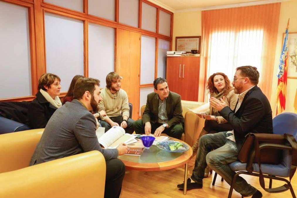 L'Alfàs acoge un intercambio cultural entre jóvenes italianos y españoles para hablar del uso abusivo de la tecnología