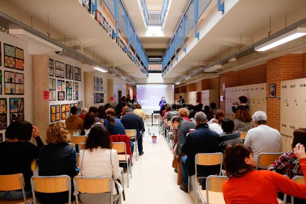 La I Trobada de Mediadors Escolars reúne a cerca de un centenar de personas en L'Alfàs del Pi