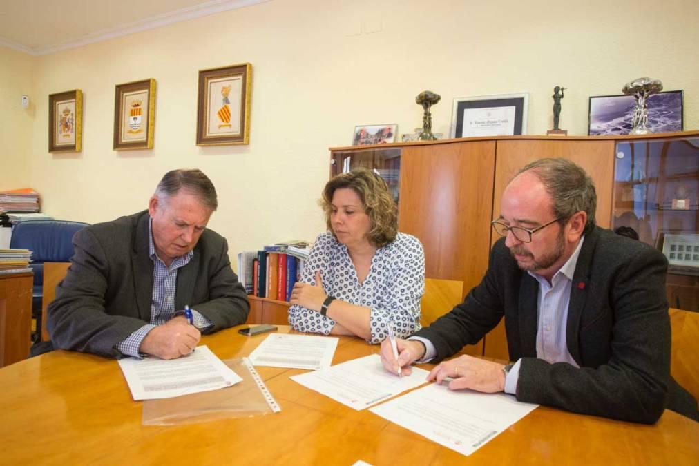 El Ayuntamiento de l'Alfàs y APSA firman un convenio de colaboración para la continuación del SEAFI