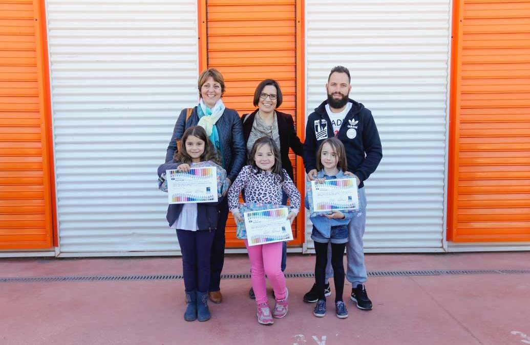 Cerca de un centenar de niños y niñas participan en el concurso de dibujo de Ofiespriu Escolar