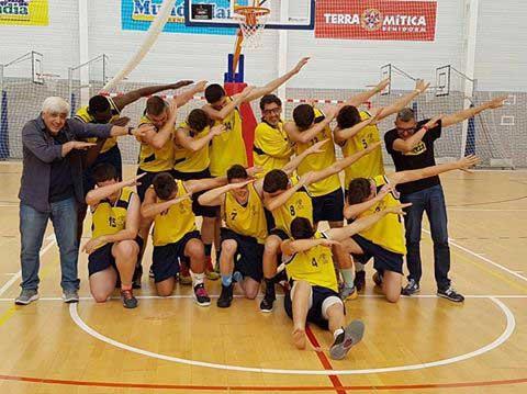 El equipo Junior de Basket que dirige Vicente Pérez  se ha proclamado campeón de liga este sábado.