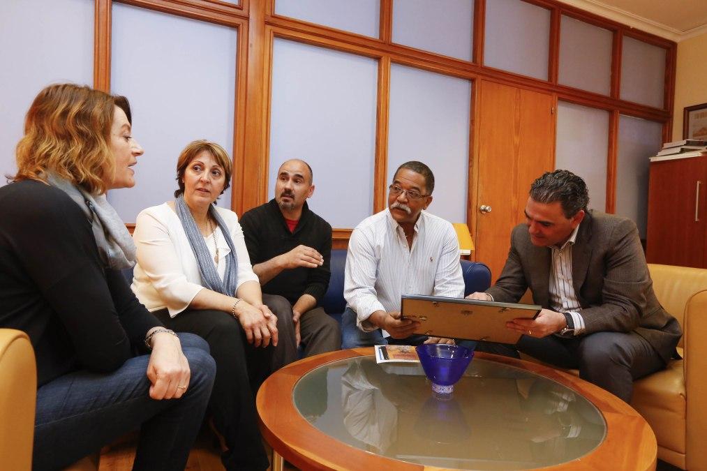 L'Alfàs del Pi estrecha relaciones con la Asociación José Martí y fortalecerá el intercambio cultural con Cuba