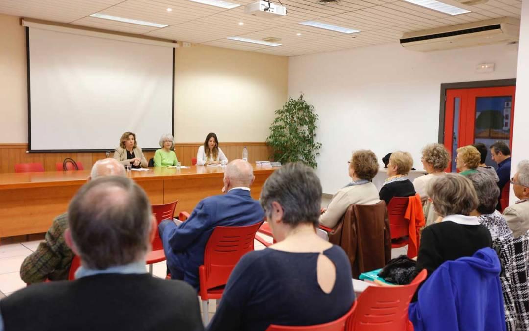 """Rosa Cortés presenta en l'Alfàs su libro """"La petite fille sous le platane"""""""