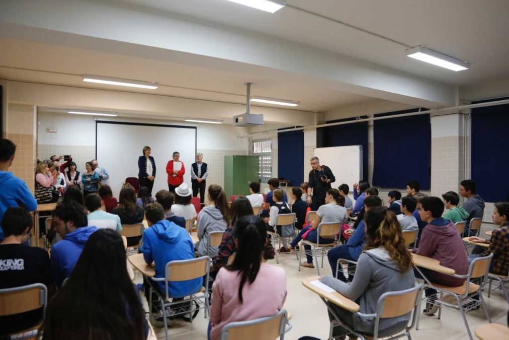 Más de 150 alumnos de las Marinas participaron en L'Alfàs en la fase comarcal de la XXVII Olimpiada Matemática