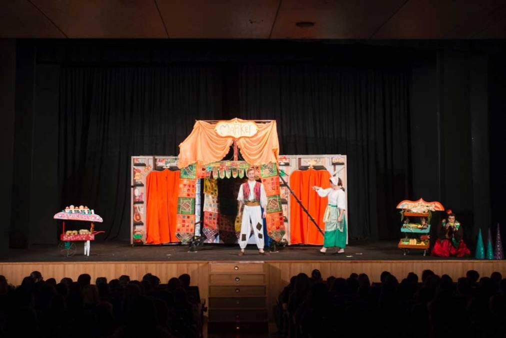 Más de 600 alumnos de l'Alfàs refuerzan el aprendizaje del inglés a través del teatro