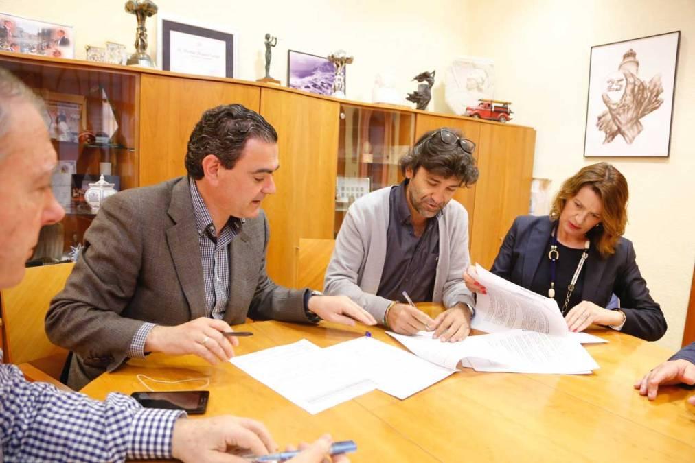 El ayuntamiento de l'Alfàs del Pi y la asociación Estrellas de Colores renuevan su convenio de colaboración