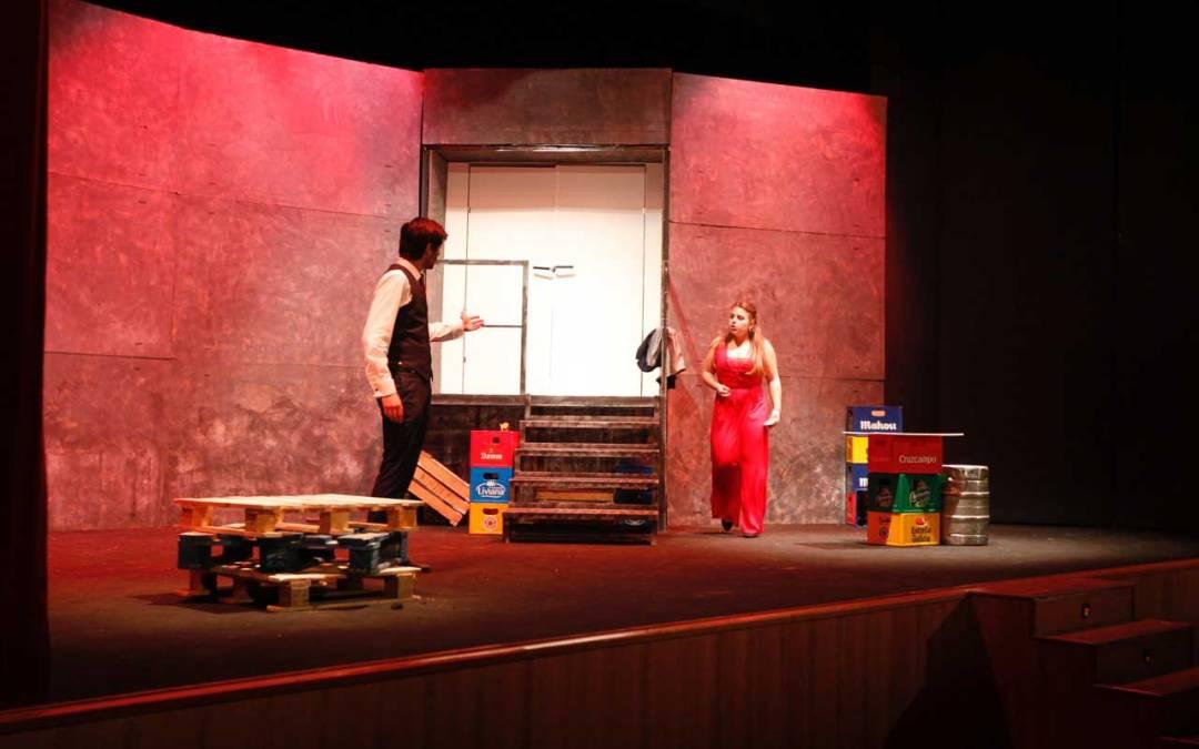 La Casa de Cultura de l'Alfàs del Pi acogió 'Misántropo', el nuevo estreno de la compañía Gaudint Teatre