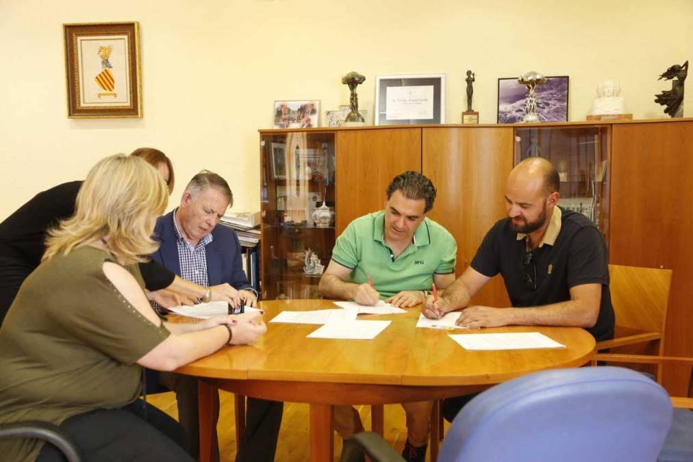 El Ayuntamiento de l'Alfàs promueve la divulgación de las danzas y la música tradicional de la Marina Baixa