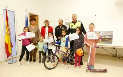 Morante Miralpeix y Nikita Martínez ganan el tercer concurso de dibujo de educación vial