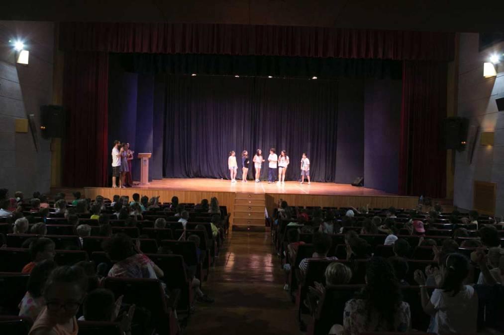 Alumnos y profesores del Veles e Vents asisten al pre-estreno de 'The Velers'