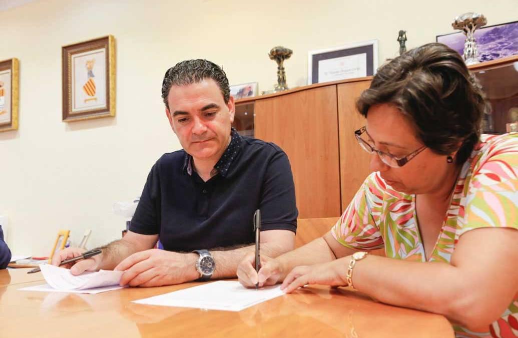 El AMPA del IES l'Arabí y el ayuntamiento de l'Alfàs renuevan su convenio de colaboración