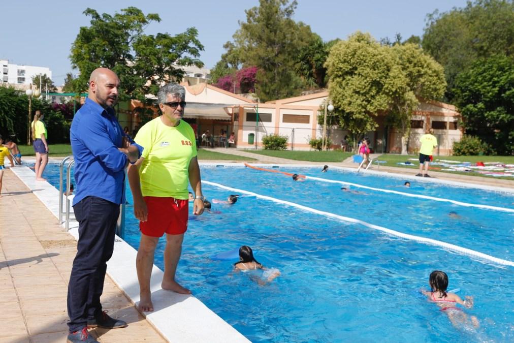 La piscina municipal de l'Alfàs ofrece la mejor y más completa oferta de cursos de la comarca