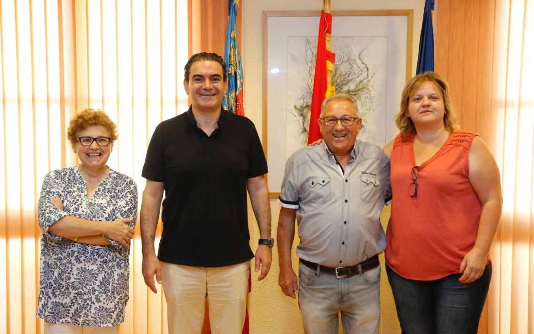 El ayuntamiento de l'Alfàs del Pi firma su acuerdo de colaboración con la Asociación de Jubilados Racó de l'Albir