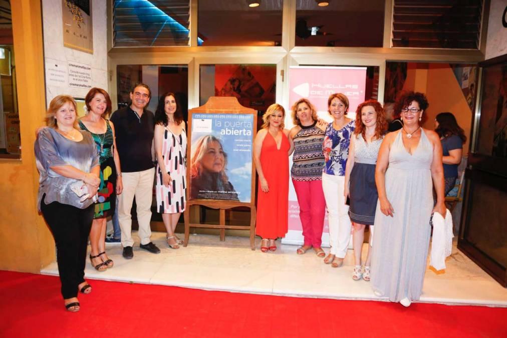El XXVIII Festival de Cine de l'Alfàs del Pi arranca colgando el cartel de 'no hay billetes' en su primera proyección en el Cine Roma