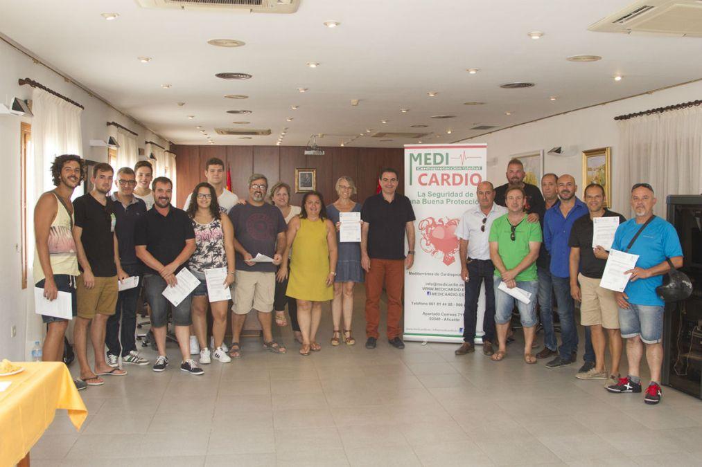 El Ayuntamiento de l'Alfàs forma a 36 personas en el uso de desfibriladores automáticos