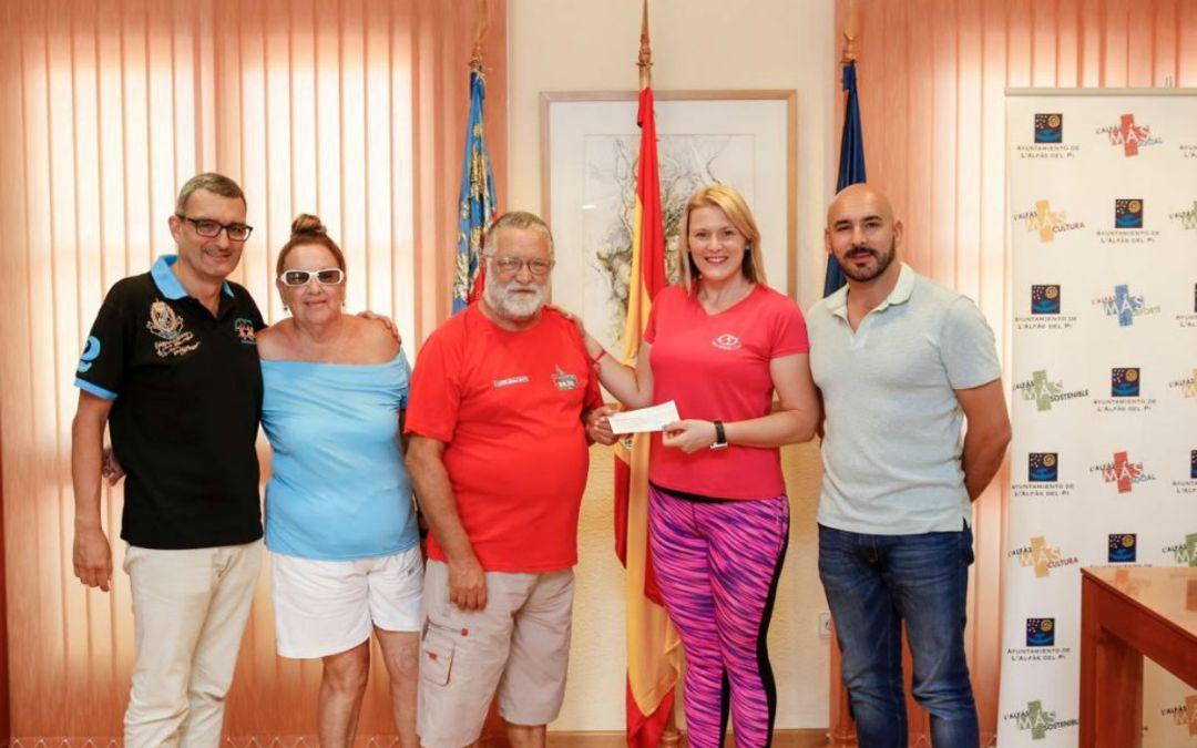 L'Alfàs Fitness Club entrega al Doble Amor un millar de euros recaudados con el segundo Maratón de Zumba